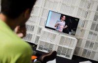 Siedzenie przed telewizorem